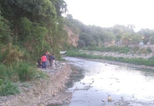 Cadáver es encontrado en el río Acelhuate