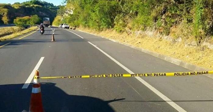 Peatón muere al ser atropellado en carretera de Oro