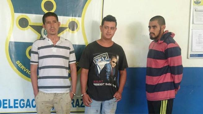 Conductor ebrio y 2 acompañantes capturados luego que chocaran contra una Motobomba en San Miguel