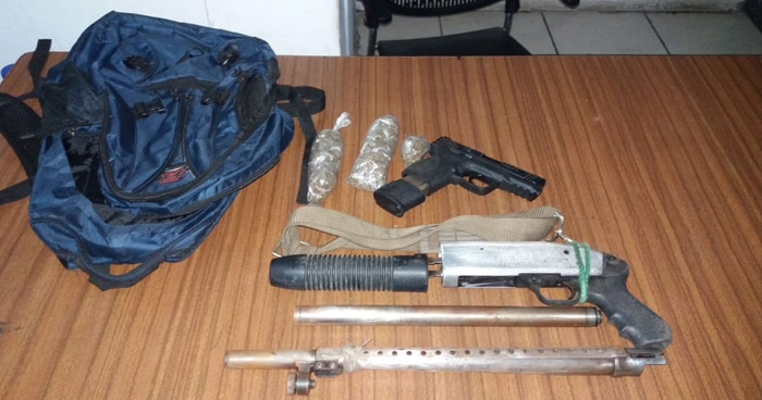 Menores de edad capturados cuando transportaban armas y droga en La Libertad