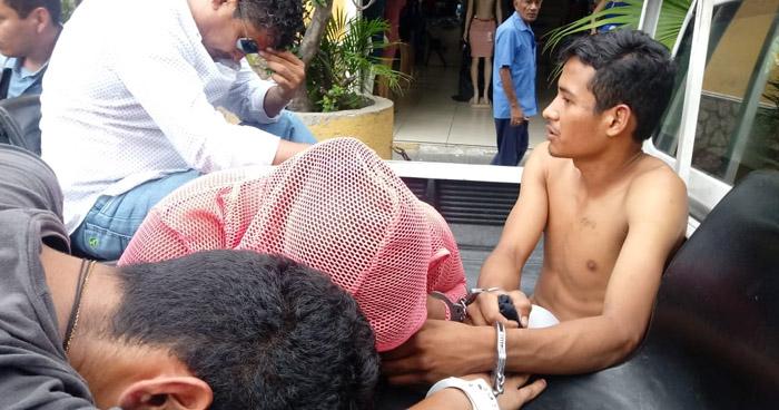 Capturan a varios sujetos en vías de investigación tras tiroteo en el Centro de San Salvador