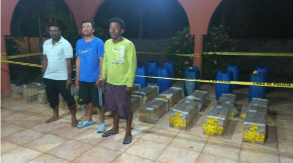 Condenan a 20 años de prisión a tres ecuatorianos por tráfico ilegal de drogas