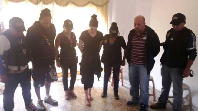 Capturan a salvadoreña en Guatemala por tenencia de droga