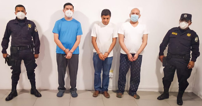 Empleados bancarios capturados por casos de corrupción vinculadas a Mauricio Funes