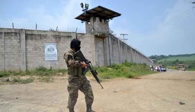Reportan muerte de reo del Penal del Izalco