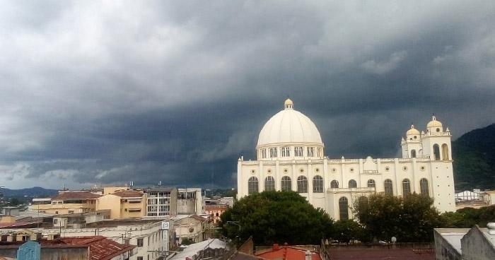 Paso de una Onda Tropical influenciará lluvias este jueves