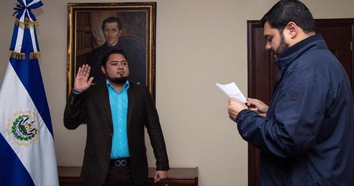 Juramentan como Director de Centros Penales a Osiris Luna