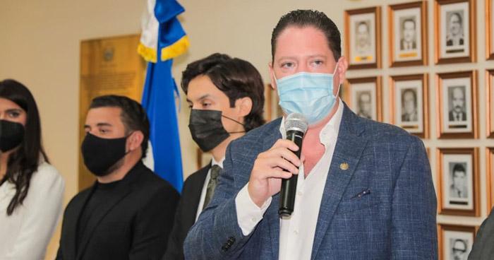 Presentan pieza para un asocio público-privado de la terminal de carga del Aeropuerto de El Salvador