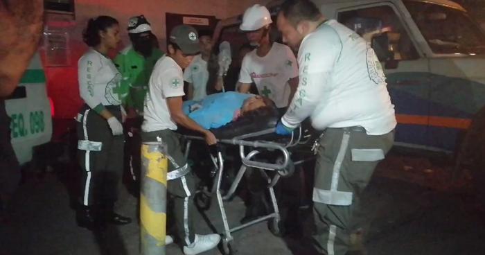 Un niño y 8 personas más resultaron lesionadas anoche tras un accidente en Aguilares