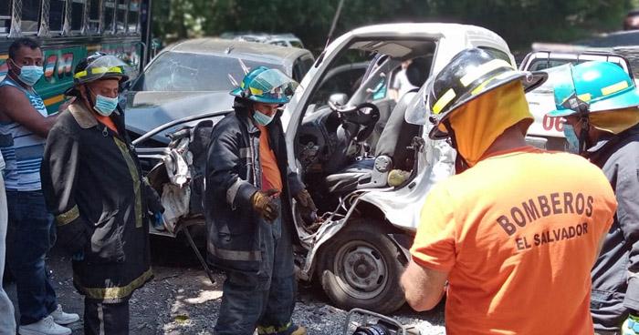 Conductor ebrio provoca choque en carretera a Juayúa, Sonsonate