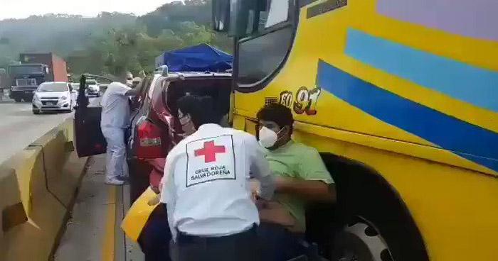 Quintuple accidente en carretera Los Chorros deja varios lesionados