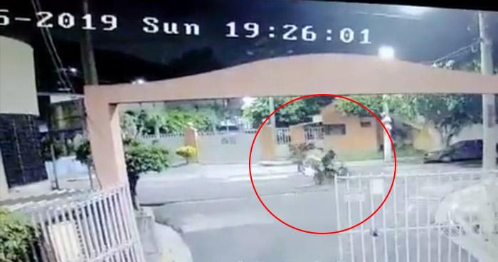 VIDEO | Captan fuerte choque entre motociclistas en San Jacinto