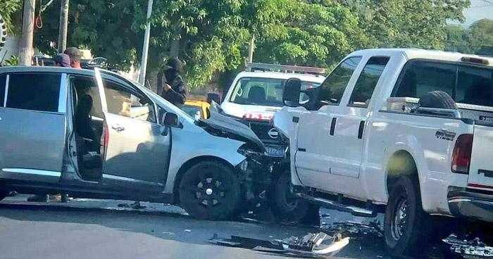 Conductor ebrio provoca choque en San Miguel