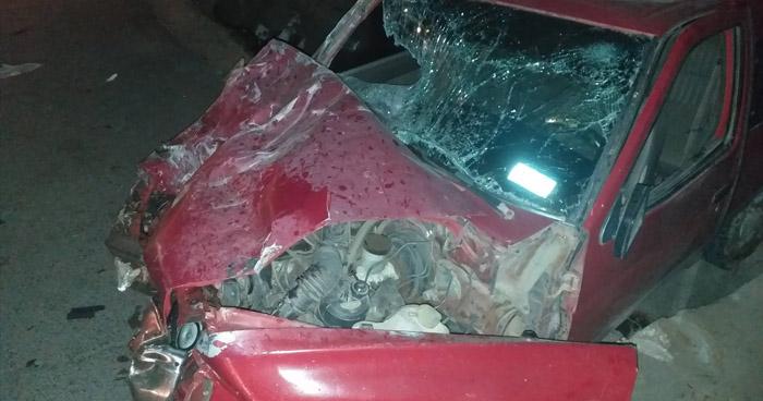 Conductor lesionado al chocar contra una rastra en carretera Ruta Militar