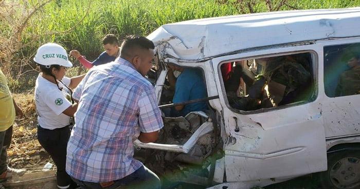Dos lesionados tras fuerte choque en carretera Troncal del Norte