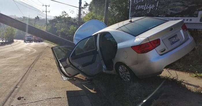 Dos lesionados tras fuerte choque en carretera a Comalapa