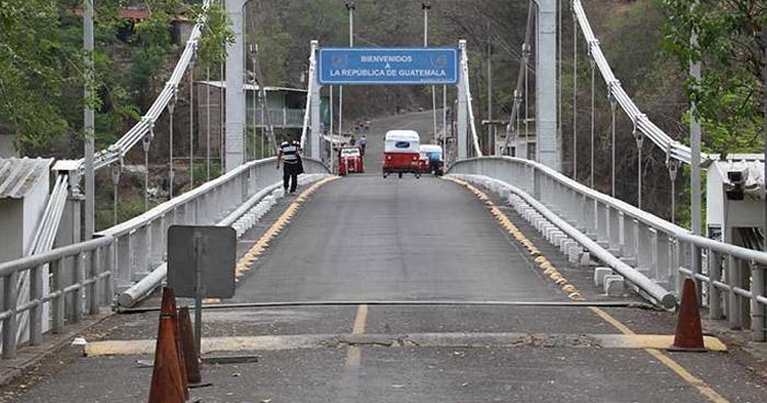 Pobladores bloquean paso vehicular de El Salvador hacia Guatemala