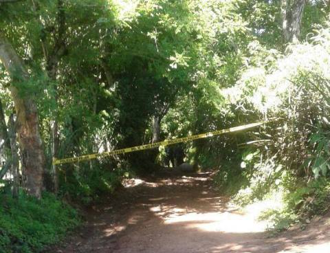 Atacan a balazos a un hombre mientras cortaba zacate en La Libertad