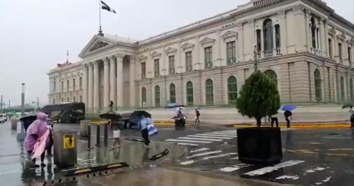 Disminuirán lluvias tipo temporal pero continuarán percibiéndose en la zona centro y occidente del país