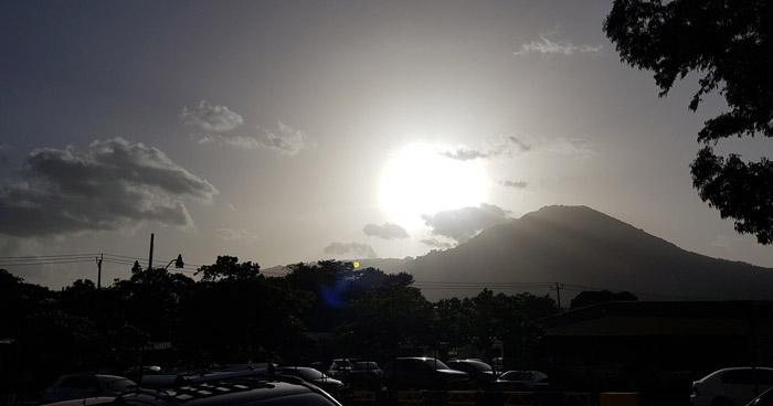 Onda Tropical poco activa saliendo del territorio influenciará chubascos de forma aislada