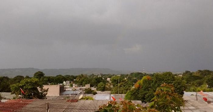 Se esperan chubascos y tormentas eléctricas aisladas, con énfasis en la zona central y occidental del país