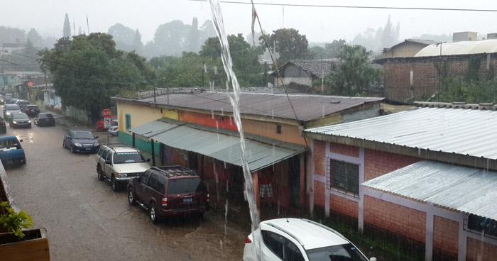 Remanentes de humedad dejados por el paso de la Onda Tropical incrementarán probabilidad de lluvias