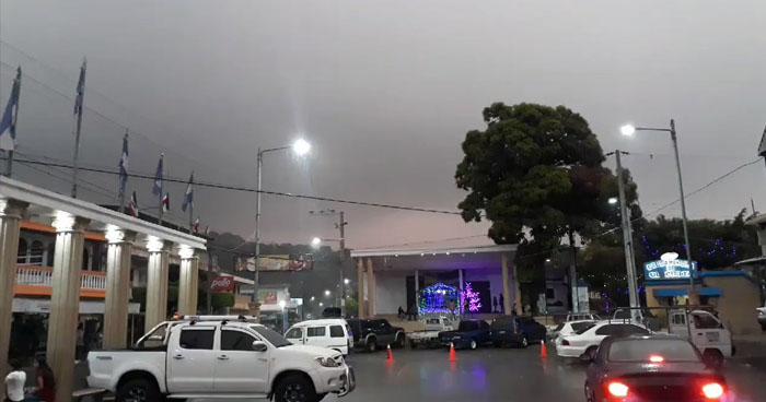 Vaguada favorecerá lluvias aisladas sobre el territorio salvadoreño