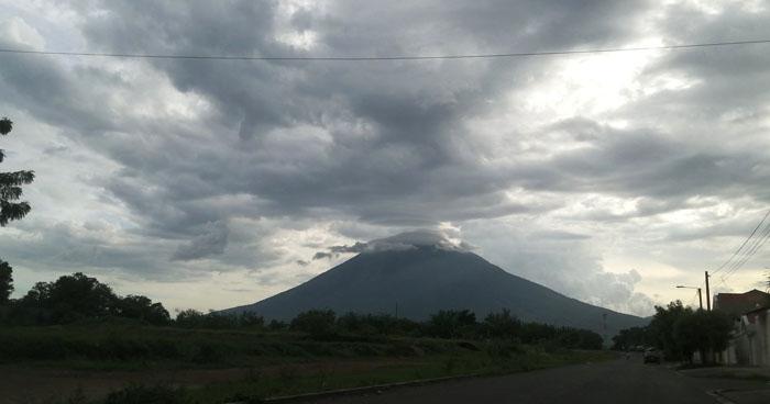 Probabilidad de lluvias y tormentas dispersas sobre la zona norte y franja volcánica central
