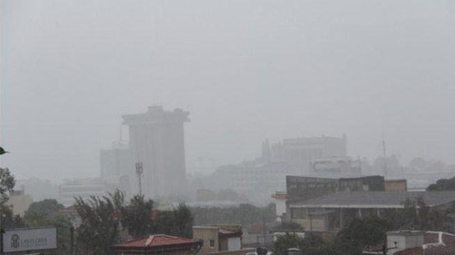Flujo del Este provocara tormentas eléctricas con énfasis en zona norte y cordillera volcánica del país