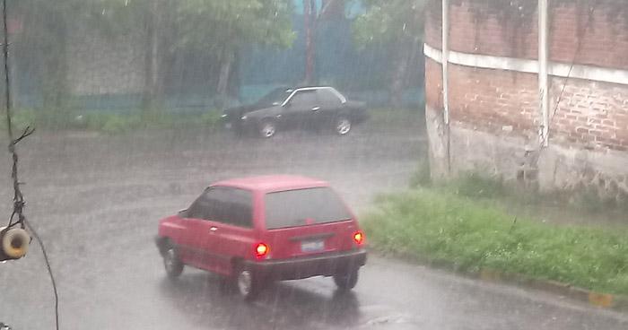Probabilidad de lluvias y tormentas por paso de una Onda Tropical