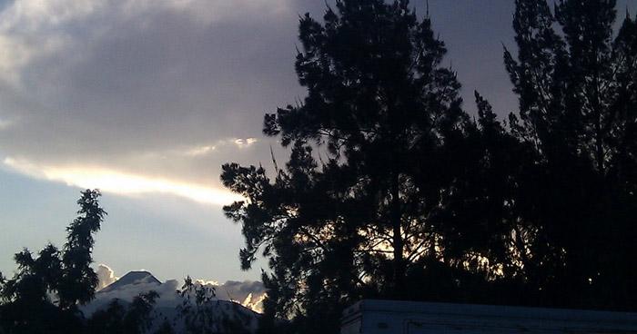 Ambiente cálido por la tarde y relativamente fresco por la noche y madrugada