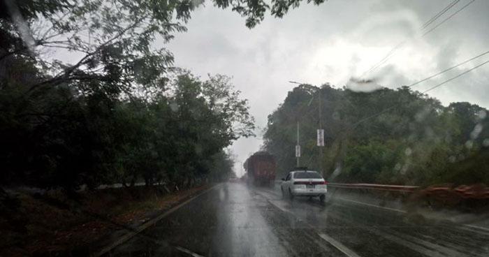 Probabilidad de lluvias moderadas y de rápido desplazamiento en la zona norte del país