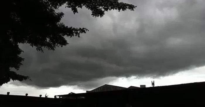 Continuarán lluvias en diferentes puntos del país por influencia de una Onda Tropical