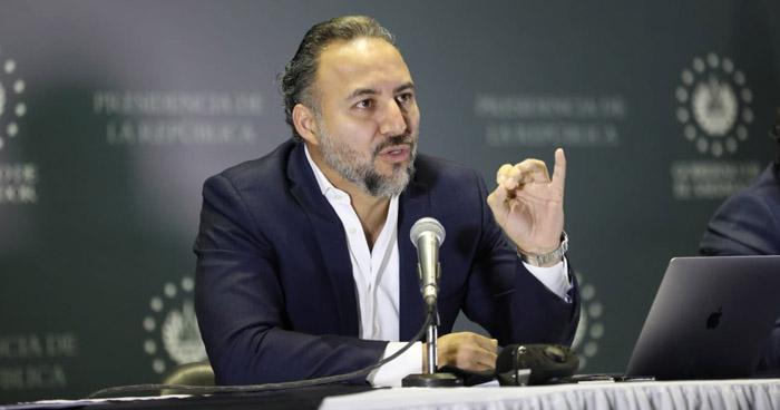 Conan Castro pondrá a disposición de la emergencia su salario de otra plaza, no la de Secretario Jurídico