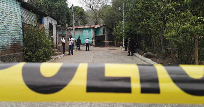 Pareja fue perseguida y asesinada al interior de una ferretería en Puerto de La Libertad