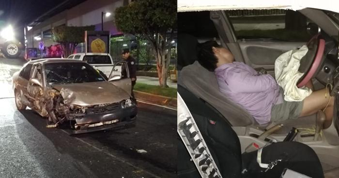 Conductor ebrio se estrella contra un árbol en el bulevar de Los Héroes y se duerme tres horas