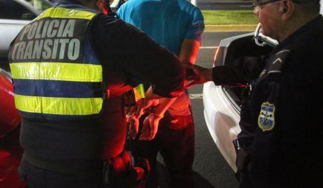 Capturan a 20 conductores que viajaban bajo los efectos del alcohol en Santa Ana