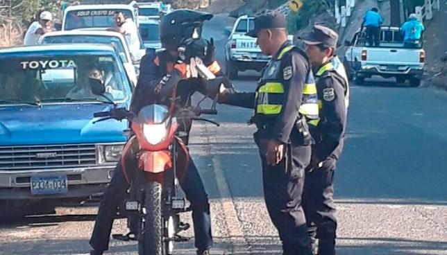 Capturan a hombre que conducían con más de 400 grados de alcohol en La Paz