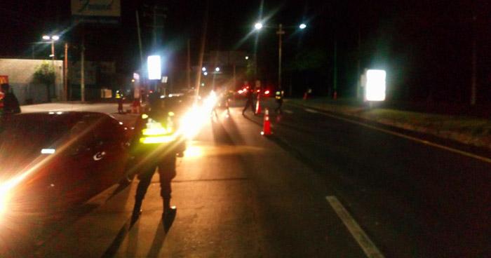 Capturan a 21 conductores en estado de ebriedad durante controles vehiculares en Santa Ana