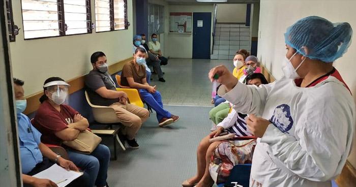 Habilitarán gradualmente consultas externas en centros médicos del ISSS
