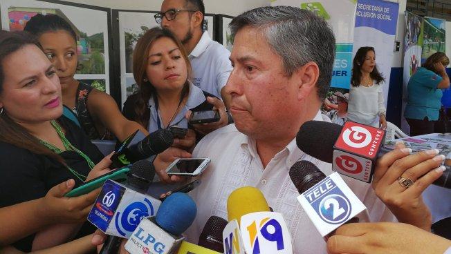 Vicente Coto competirá por alcaldía de Santa Tecla