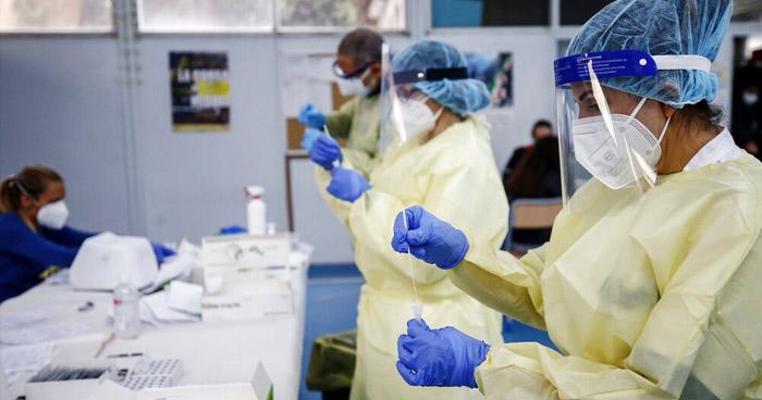 EE.UU. supera los 8 millones de casos de COVID-19