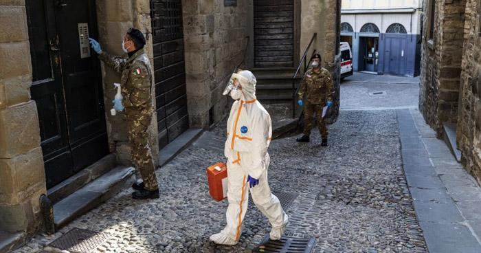 Italia comienza nuevo confinamiento para detener el avance del COVID-19