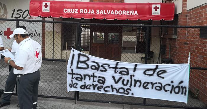 Denuncian irregularidades y amaños en administración de Cruz Roja