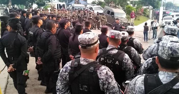 Despliegan a policías y militares que brindarán seguridad en 7 cementerios de la capital