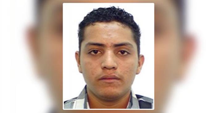 Deportan de EEUU a salvadoreño por asesinato de un policía y su hija