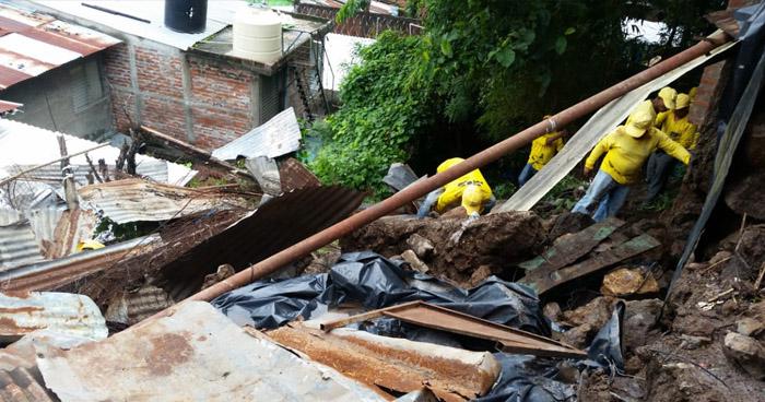 Seis fallecidos y 135 deslizamientos de tierra, entre afectaciones por lluvias