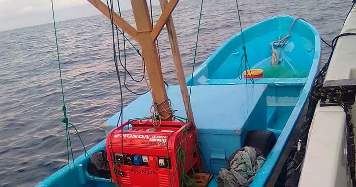 Detienen lancha con seis tripulantes transportando dinero de dudosa procedencia