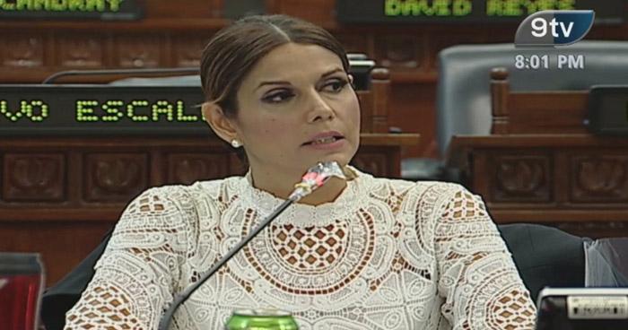 Milena Mayorga anuncia su renuncia al partido ARENA
