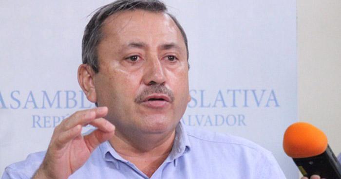 Denuncian al diputado Carlos Reyes por mentir sobre su patrimonio